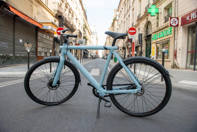 vélo Vanmoof S3 dans les rues de Paris